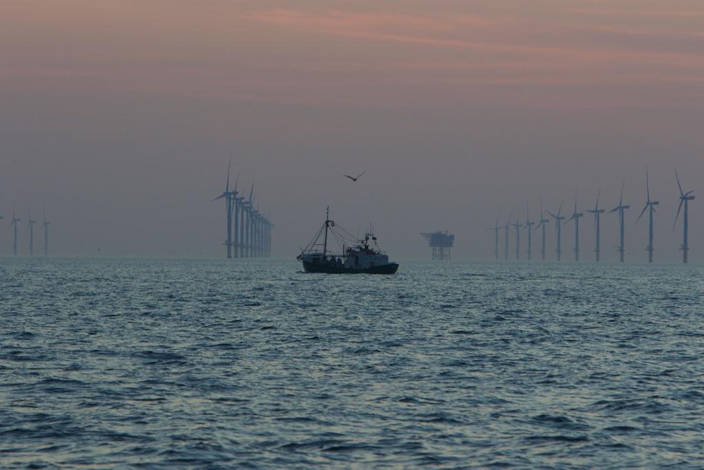 Kermis-verlichting op de Noordzee… – Interessante Tijden